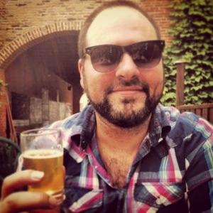 Éric Tremblay, profitant d'un moment ravigorant à la Brasserie Dunham