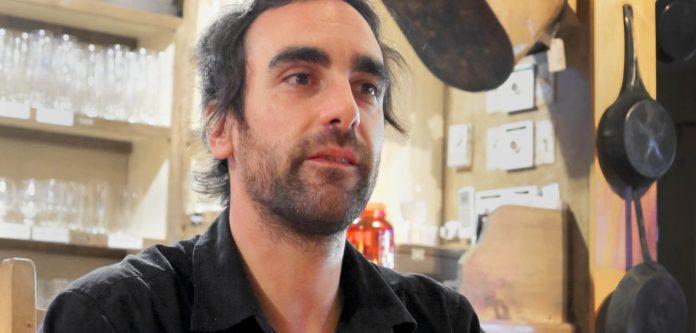 François Lessard au bar