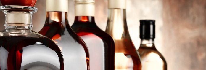Des bouteilles de spiritueux de toutes sortes